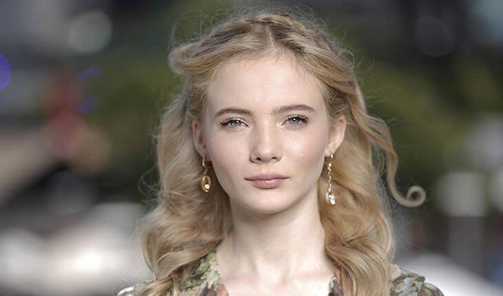 Фрейя Аллан - принцесса Цирилла.